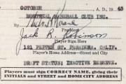 Le contrat de Jackie Robinson avec les Royaux... (Archives AP) - image 2.0