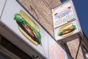 Le restaurant Dillalo est situé au 2851, rue... (PHOTO OLIVIER PONTBRIAND, LA PRESSE) - image 7.0