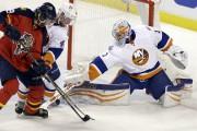 Thomas Greissa réussi 42 arrêts pour les Islanders.... (Associated Press) - image 2.0