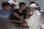 Le pape François est allé à la rencontre... (AP) - image 1.1