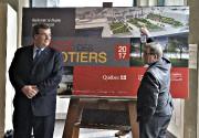 Le ministre François Blais et le maire de... (Le Soleil, Patrice Laroche) - image 4.0