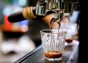Préparation d'un café au Paquebot Café.... (PHOTO MARCO CAMPANOZZI, LA PRESSE) - image 4.0