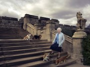 ÉlisabethII fêtait ses 90 ans jeudi, un... (PHOTO ANNIE LEIBOVITZ VIA AP) - image 4.0