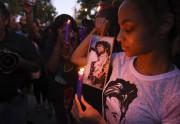 Des amateurs de l'oeuvre de Prince ont participé... (AFP, Robyn Beck) - image 1.0