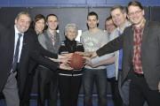 Plusieurs personnalités politiques ont assisté à la rencontre... (Photo Le Quotidien, Rocket Lavoie) - image 1.0