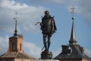 Une statue représentant Cervantès, à Madrid.... (Agence France-Presse) - image 2.1