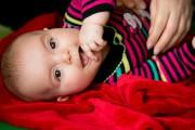 Eva, 5 mois, s'anime lorsque sa mère la... (PHOTO FRANÇOIS ROY, LA PRESSE) - image 4.0