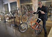 Louis Garneau dans son musée du vélo... (Le Soleil, Patrice Laroche) - image 2.0