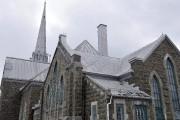 Le toit de l'église Sacré-Coeur nécessite des travaux.... (Photo Le Progrès-dimanche, Rocket Lavoie) - image 2.0