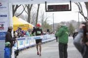 Bagdad Rachema gagné le Demi-marathon de Lévisen1:10:25,9, dimanche.... (fournie par Courir à Québec, Muriel Leclerc) - image 4.0