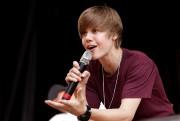 Bieber avec son long toupet à ses débuts... (Photothèque Le Soleil) - image 2.0