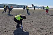 Des bénévoles, surtout des employés de l'aéroport, ont... (Le Soleil, Patrice Laroche) - image 4.0