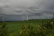 Des éoliennes autour du village de Saint-Léandre, près... (PHOTO HUGO-SÉBASTIEN AUBERT, ARCHIVES LA PRESSE) - image 2.0