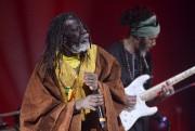 Le reggaeman Tiken Jah Fakoly... (Le Soleil, Jean-MArie Villeneuve) - image 3.0