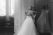 Elise Boissoneault lors de l'essai de sa robe... (La Presse Canadienne) - image 2.0