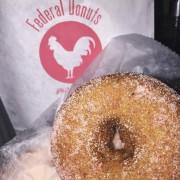 Un beigne de chez Federal Donuts.... (PHOTO TIRÉE DE LA PAGE FACEBOOK DE FEDERAL DONUTS) - image 1.0