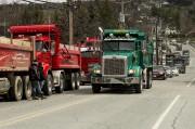 Des membres de l'Association nationale des camionneurs artisans... (Spectre Média, Jessica Garneau) - image 1.0