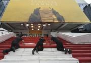 Ilfaut gravir 24 marches pour atteindre l'entrée du... (AFP, Alberto Pizzoli) - image 3.0