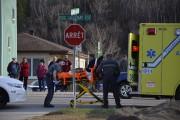Deux personnes ont été transportées à l'hôpital en... (Photo Le Quotidien, Jonathan Hudon) - image 2.0