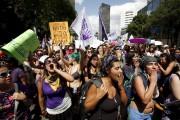 Le 24 avril, des milliers de personnes ont... (Photo Ginnette Riquelme, Reuters) - image 1.0