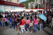 Au manque de matières premières, faute de devises... (PhotoCarlos Garcia Rawlins, Reuters) - image 3.0