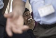 Les proches des passagers disparus ont été transportés... (Agence France-Presse, Khaled Desouki) - image 2.0