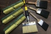 Une brosse pour le nettoyage, du papier sablé... (Fournie par Juneau) - image 2.0