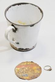 Les bijoux ont été retrouvés dans une grande... (PHOTO AP) - image 1.0