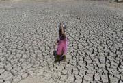 Les rivières, les lacs et les réservoirs se... (Agence France-Presse, Sam Panthaky) - image 1.0