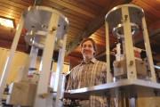 Le physicien Lorne McKee est spécialiste en géomagnétisme.... (Patrick Woodbury, LeDroit) - image 1.0