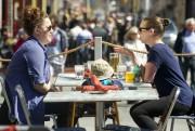 Au marché By, on peut visiter étals et... (Martin Roy, Archives LeDroit) - image 3.0