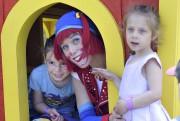La petite Isyëv, trois ans, s'apprêtait à rejoindre... (Photo Le Progrès-dimanche, Rocket Lavoie) - image 1.0