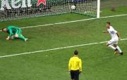 Ronaldo a marqué le tir au but gagnant... (Photo AP) - image 1.0