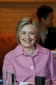 Hillary Clinton en campagne à Oakland, le 27mai.... (PHOTO STEPHEN LAM, REUTERS) - image 1.0