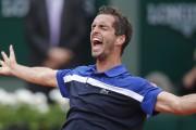 L'Espagnol Albert Ramos-Vinolas a profité d'une mauvaise sortie... (AP, Michel Euler) - image 2.0
