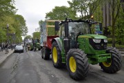 Les manifestants ont quitté Québec en tracteur lundi... (Le Soleil) - image 1.0