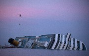 Le Costa Concordia, qui naviguait trop près de la... (PHOTO ARCHIVES REUTERS) - image 1.0