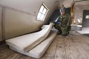 C'est dans ce refuge des Forces d'autodéfense japonaises... (PHOTO Daisuke Suzuki, Kyodo News/AP) - image 2.0