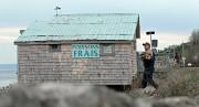 Devant la cabane où, jusqu'à il y a... (PhotoPascal Ratthé, collaboration spéciale) - image 1.0
