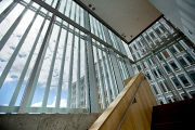 Le pavillon est revêtu d'une dentelle d'aluminium conçue... (Photo Patrick Sanfaçon, La Presse) - image 1.1
