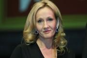 L'écrivaine J.K. Rowling a supplié les fans qui... (AP, Lefteris Pitarakis) - image 2.0