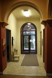 Le hall d'entrée vu de l'escalier.... (Mélissa Bradette) - image 1.0