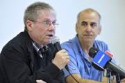 Le Dr Roger Gagnon a pris la parole... (Photo Le Quotidien, Rocket Lavoie) - image 1.0