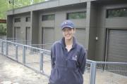 Sabrina Tremblay, chef des équipes de naturalistes, pose... (Photo Le Progrès-Dimanche, Isabelle Tremblay) - image 1.1