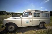 Umberto Cara sillonne son domaine en jeep. «Comme... (AFP, Filippo Monteforte) - image 2.0