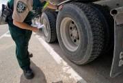 Les limites de poids imposées pour certains pneus... (PHOTO DAVID BOILY, ARCHIVES LA PRESSE) - image 1.1