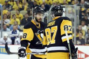 Kristopher Letang et Sidney Crosby... (PHOTO CHARLES LECLAIRE, USA TODAY SPORTS) - image 2.0