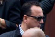 Stefano Sollecito, derrière ses lunettes fumées, lors des... (PHOTO OLIVIER PONTBRIAND, ARCHIVES LA PRESSE) - image 1.0