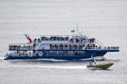 Un bateau de croisière et un zodiac en... (La Presse, David Boily) - image 4.1