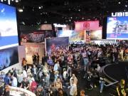 La foule était très compacte dans le stand... (Le Soleil, Yves Therrien) - image 3.0